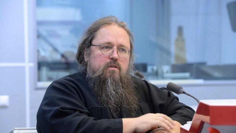 Патриарх запретил в служении диакона Андрея Кураева