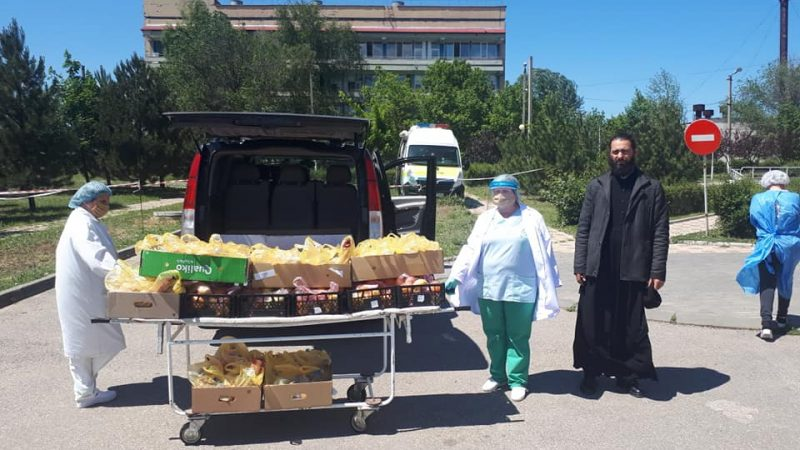 (ФОТО) В Комратскую больницу была передана помощь от храма мун. Чадыр-Лунга