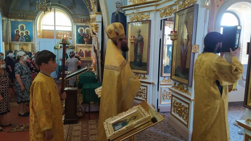 (ФОТО) Богослужение в праздник Рождества Иоанна Предтечи в храме села Авдарма