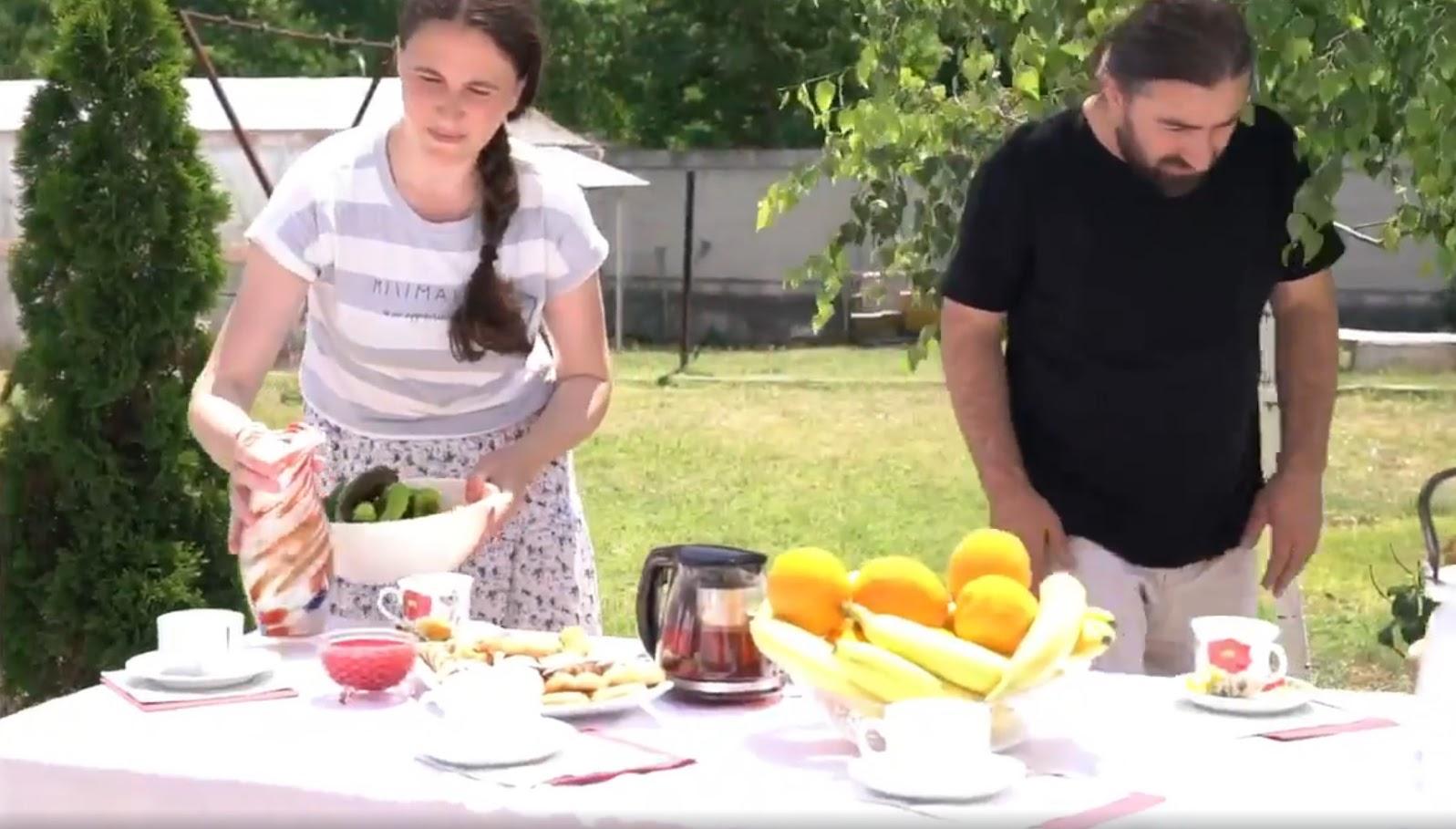 (ВИДЕО) Семья священнослужителя из Светлого приняла участие в съемках ролика к празднику Дня семьи