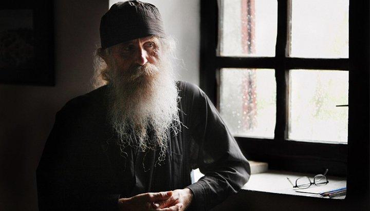 Должны ли миряне подражать монахам?