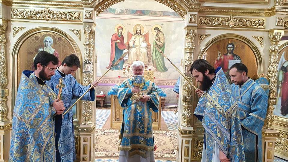 (ФОТО) Епископ Анатолий совершил Литургию на Успение в Комратском соборе