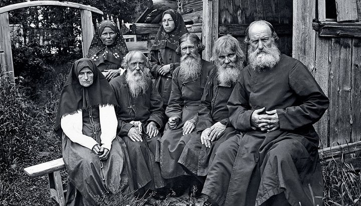 Можно ли подавать записки на литургию за старообрядцев?