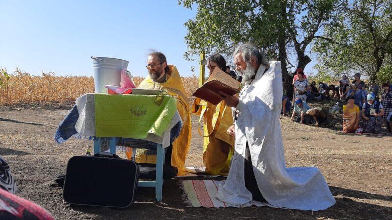(ФОТО) В Джолтае прошел крестный ход и освящение креста