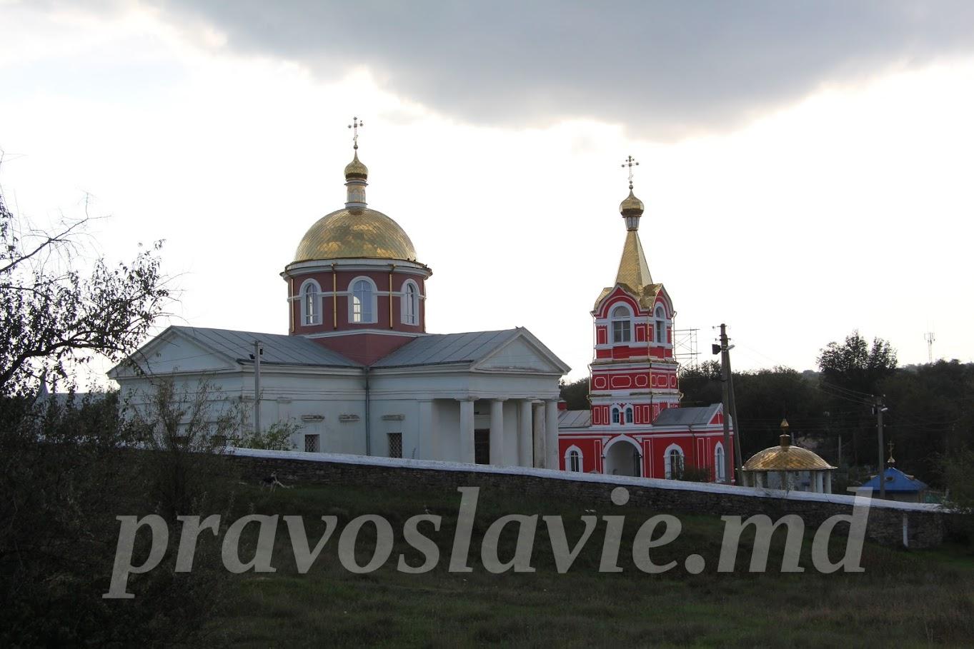 (ФОТО) В храме с.Казаклия ведутся фасадные работы