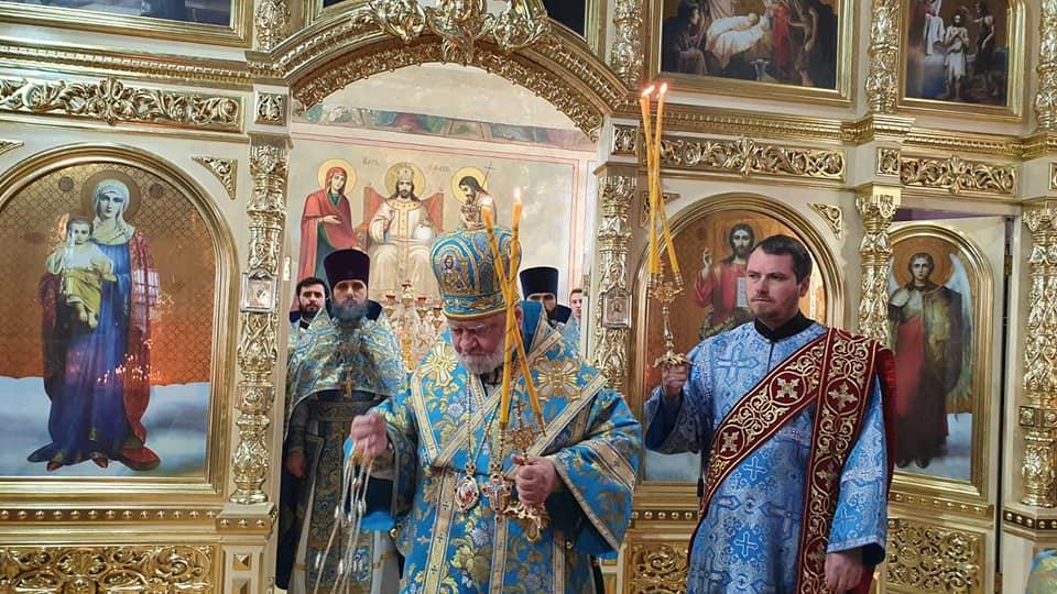 Епископ Анатолий совершил Литургию на Покров в Комратском соборе