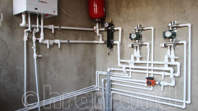 (ФОТО) В Чишмикиойском храме проводится монтаж системы отопления