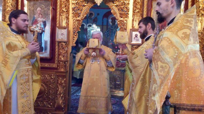 (ФОТО) Епископ Анатолий совершил Литургию в Чадыр-Лунгском монастыре