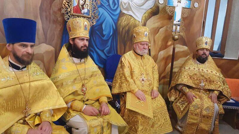 (ФОТО) Епископ Анатолий совершил Литургию в Рождественском храме мун. Чадыр-Лунга