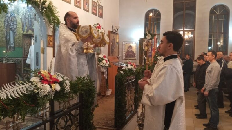 (ФОТО) Служба на Рождество Христово в Казанском храме мун. Чадыр-Лунга