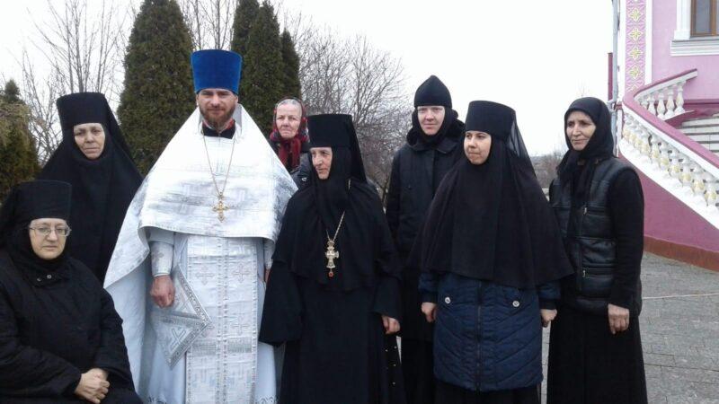 (ВИДЕО) Рождество Христово в монастыре мун. Чадыр-Лунга