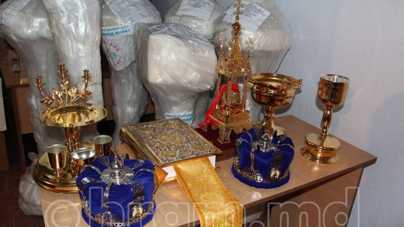 (ФОТО) Церковная утварь из России доставлена в храм с. Чишмикиой