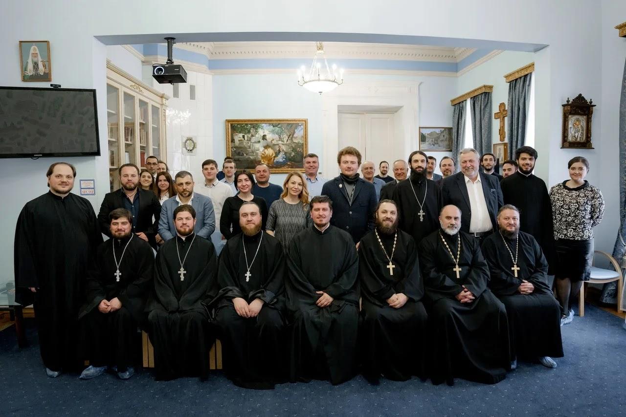 (ФОТО) В Москве прошла встреча гагаузов на тему «Культурно — религиозные проблемы гагаузской диаспоры Москвы и Подмосковья»