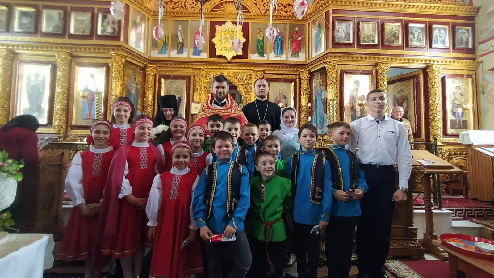 (ФОТО) Состоялось Пасхальное выступление воспитанников церковной школы при монастыре мун. Чадыр-Лунга