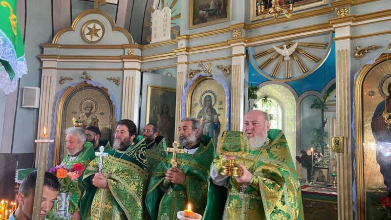 (ФОТО) Свято-Троицкий храм в селе Джолтай отметил престольный праздник (курбан)