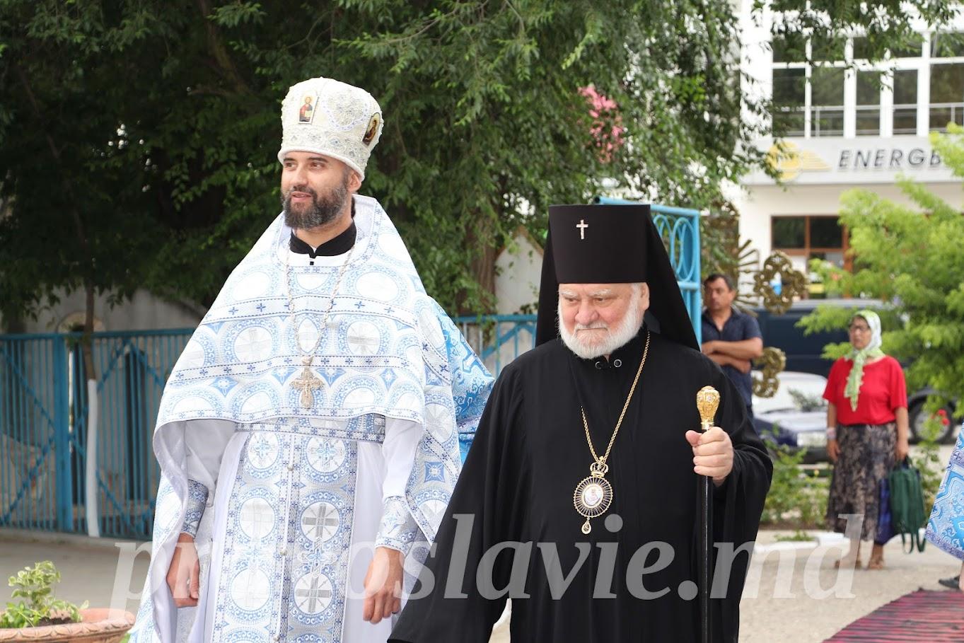 (ФОТО) Храм в честь Казанской иконы Божией Матери мун. Чадыр-Лунга отметил свой престольный праздник