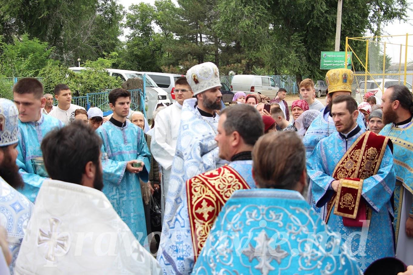 (ВИДЕО) Престольный праздник в Казанском храме мун. Чадыр-Лунга