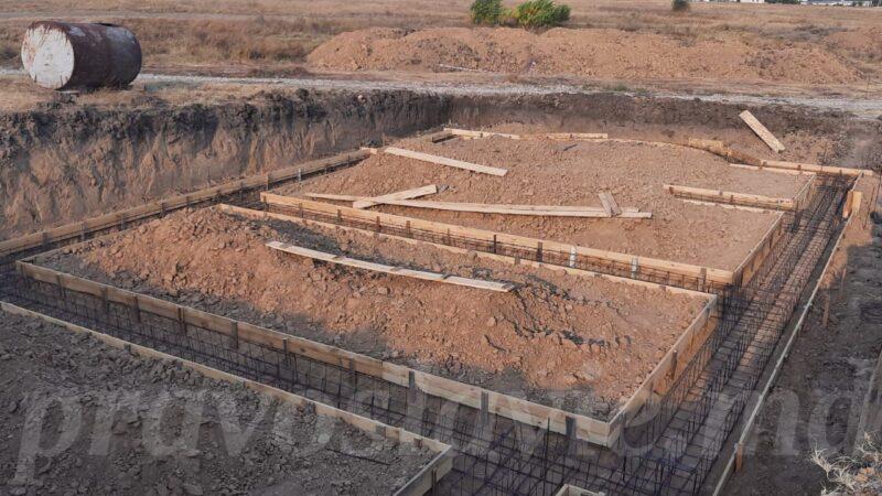 (ФОТО) В Чадыр-Лунге продолжается строительство нового храма на кладбище