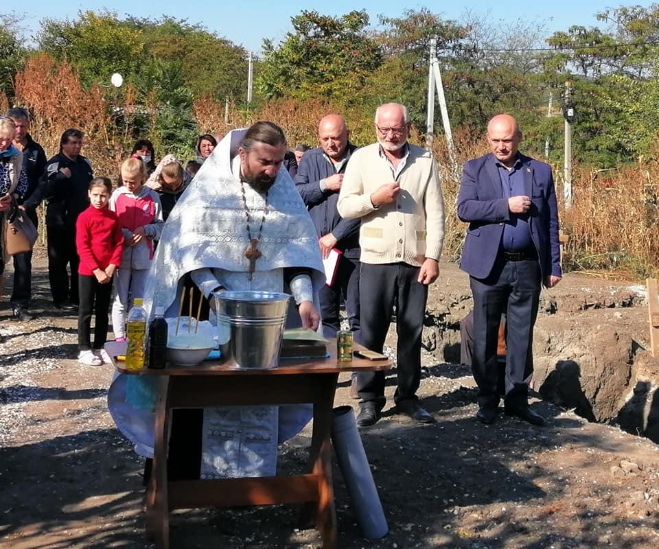 (ФОТО) В с. Чалык состоялась закладка первого камня храма в честь Архангела Михаила
