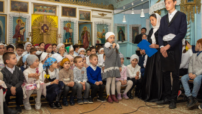 (ФОТО) В храме села Копчак прошло праздничное представление посвященное празднику Покрова